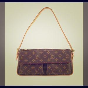 54bc4b9e4edf Women s Louis Vuitton Shoulder Bag Front Pocket on Poshmark